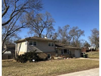 3 Bed 1 Bath Foreclosure Property in Wonder Lake, IL 60097 - Wonder Lake Dr