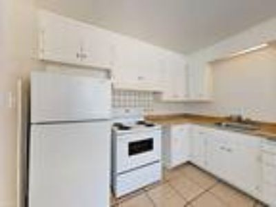 Two BR One BA In Tracy CA 95376