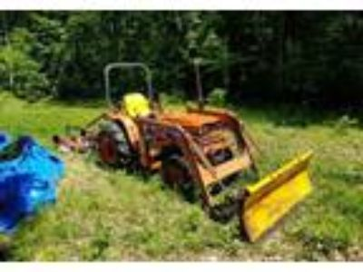 1988 Kubota BF300A-Tractor Equipment in Middleburg, NY