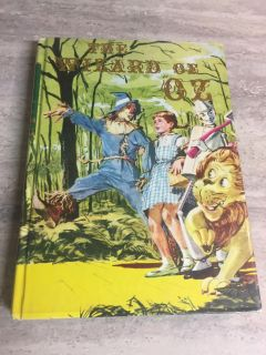Vintage 1956 Wizzard of Oz Book. In Excellent Condition. CP.