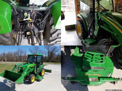 John Deere Tractor 3520 Deluxe