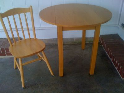 Kitchen-Dining Table/Chair