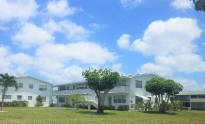 287 Camden L #287 West Palm Beach One BR, beautifully remodeled