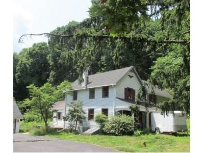 3 Bed 2 Bath Foreclosure Property in Aston, PA 19014 - Chichester Ave