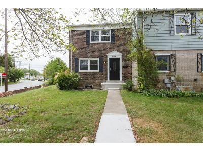 3 Bed 1.5 Bath Foreclosure Property in Capitol Heights, MD 20743 - Rollins Ln