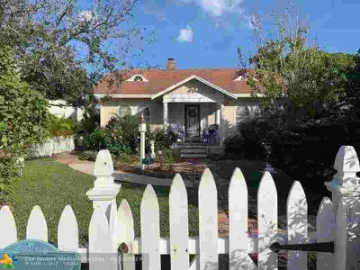 226 N O St Lake Worth Two BR, Welcome to historic downtown .