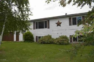 1520 59th Avenue NW Willmar Three BR, This is a great home to