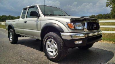 CLEAN TRUCK 100% 04 Toyota Tacoma SR5 4wd