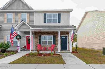 636 Ebb Tide Lane Sneads Ferry Two BR, Beautiful townhome in