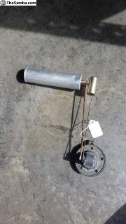 Gas tank float