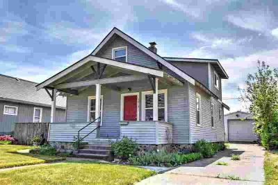 1813 W Cleveland Ave SPOKANE, BEAUTIFUL Three BR