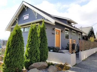 $6000 3 single-family home in Queen Anne