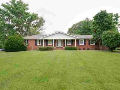 134 N Sequoia Dr Springfield Five BR, Great family home with