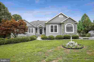3420 Ponds Wood CT HUNTINGTOWN Five BR, This amazing home is