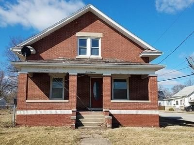 4 Bed 1 Bath Foreclosure Property in Danville, IL 61832 - N Griffin St