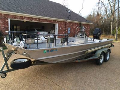 Custom Bowfishing Boat