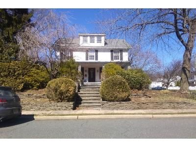 4 Bed 2 Bath Preforeclosure Property in Midland Park, NJ 07432 - Hill St