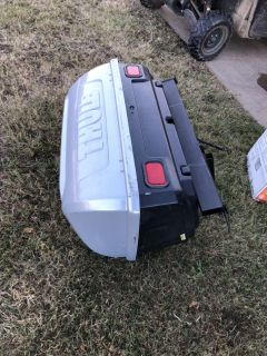 Thule 684 turrapin Cargo box with trailer hitch