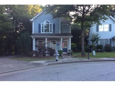 3 Bed 3 Bath Preforeclosure Property in Atlanta, GA 30318 - Parkview Ct NW