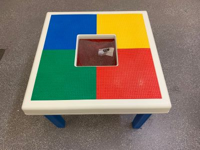 LEGO Table w/net in Great Condition
