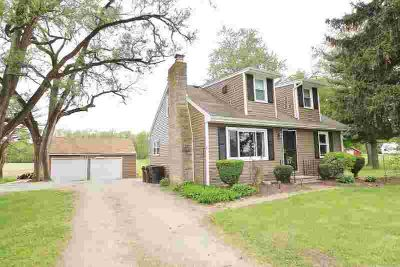 12227 Fisher Road Fort Wayne, Very well maintained/updated 4