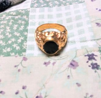 24k gold ring with onyx center stone