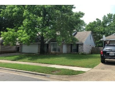 3 Bed 2 Bath Preforeclosure Property in Euless, TX 76039 - Canterbury St