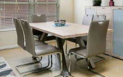 Modern and bright dining room table with 6 chairs