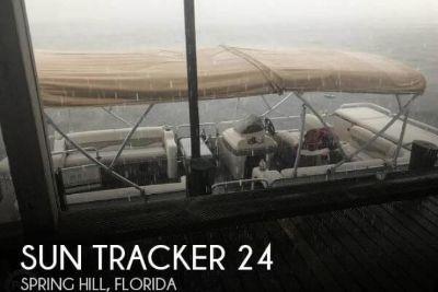 2003 Sun Tracker 24