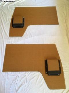 Barndoor cab door panels with folded pockets