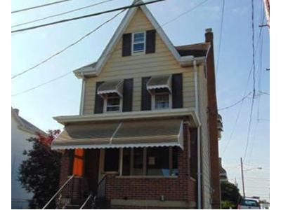 3 Bed 1 Bath Foreclosure Property in Hazleton, PA 18202 - North St