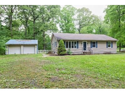 3 Bed 2 Bath Foreclosure Property in Lincoln, DE 19960 - Pine St