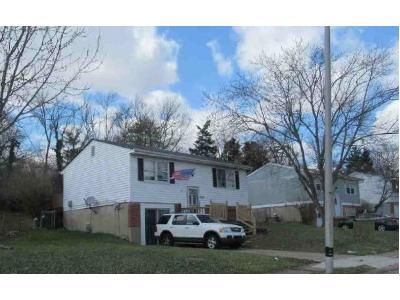 2 Bed 1 Bath Foreclosure Property in Florence, KY 41042 - Belair Cir
