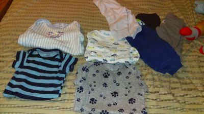 4 short sleeve onise and 4 pants lot