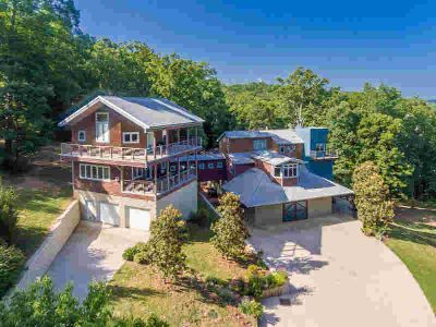 777 Oliver Springs Hwy Clinton Six BR, Situated on 50 acres