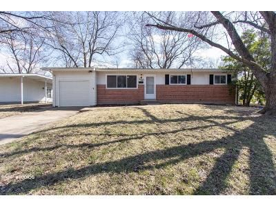 3 Bed 2 Bath Foreclosure Property in Florissant, MO 63031 - Humes Ln