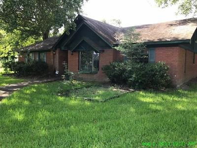 3 Bed 2 Bath Foreclosure Property in Beaumont, TX 77713 - Lawhon Rd