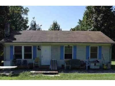3 Bed 1 Bath Foreclosure Property in Shipman, VA 22971 - Village Rd