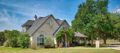 335 Saddle Club Dr Kerrville Four BR, 1.5 acres with an