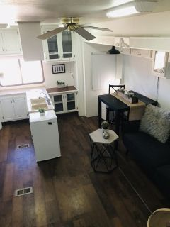 2004 Alpha Ideal 5th Wheel: Remodeled