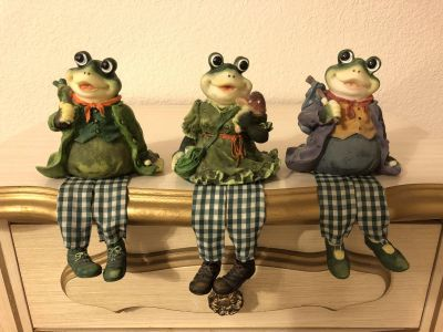 Decorative Frogs