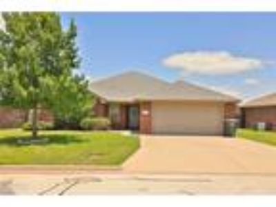 Abilene Real Estate Home for Sale. $209,900 4bd/Two BA. - Keith Turner of