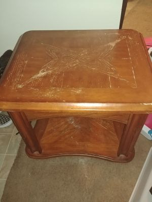 End table! Need gone ASAP!