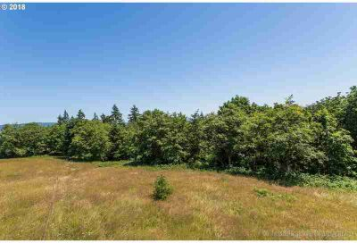 Maplecrest RD Deer Island, Nice private piece of country
