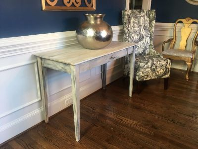 Shabby chic/Rustic Table