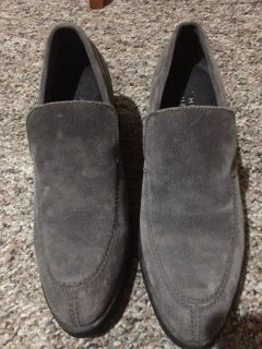 Size 8 suede Hush Puppies