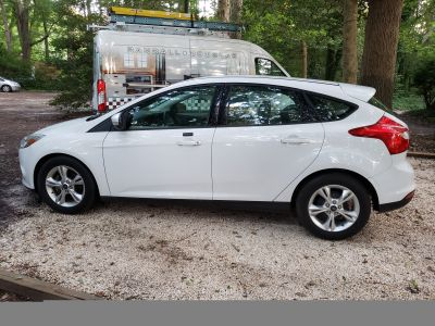 3,500 MILES ONLY 2013 FORD FOCUS HATCHBACK SE
