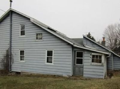 Single Family Home $19,900 Endless Possibilities w/ This Property!