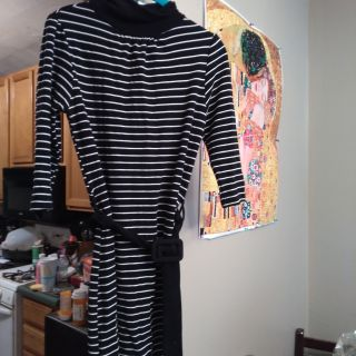 Fav hot dress. Little buttons in back. Stretchy. Size medium. EUC