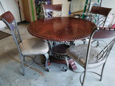 Dining room table with 4 chairs cherry wood color